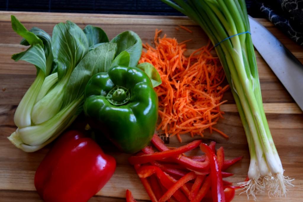 Ginger Beef Stir Fry & Veggie Soba Noodles Fete-a-Tete 2