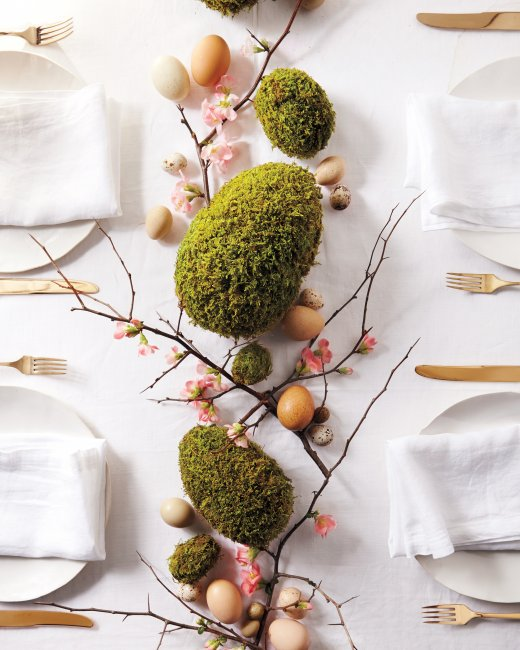 Image Credit: MarthaStewart.com Moss Egg Design