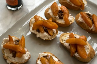 Stone Fruit-Balsamic-Ricotta Toasts Fete-a-Tete